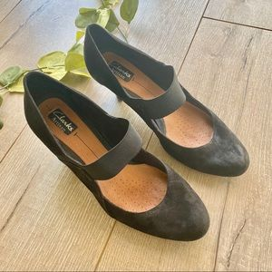 Clarks Heels with Strap Black Size 9